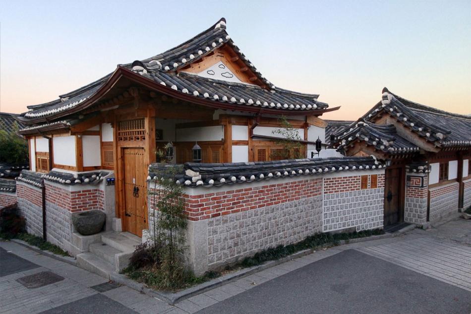 Bukchon Hanok Village - Seoul 2013