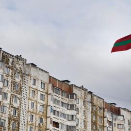 Sztandar Naddniestrza dumnie łopocze