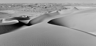 300 meters high sand dunes in Liwa Desert