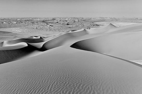 Wydmy pustynne o wysokości 300m. w Liwa, Emiraty Arabskie, 2014