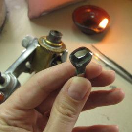 Traditional gemstone polishing