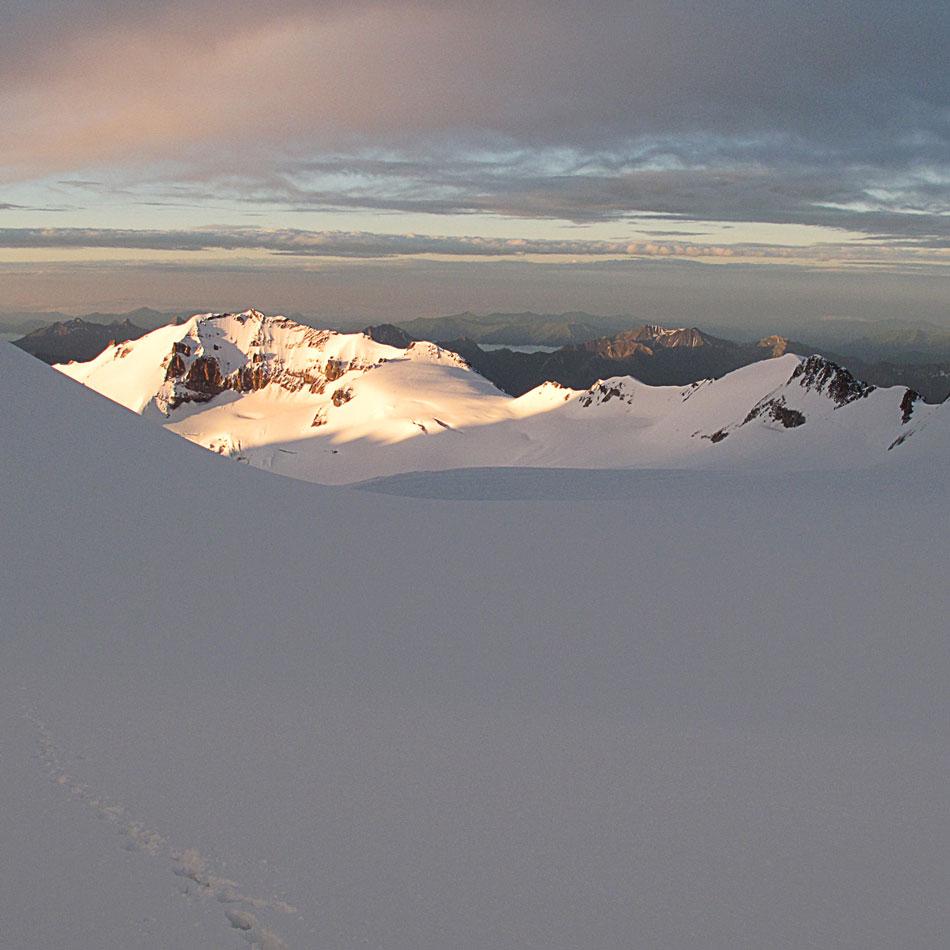 Kazbek - widok na plateau, ok. 4200-4300 m. n.p.m.