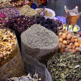 Targ z przyprawami w Dubaju - Spice Souk Dubai